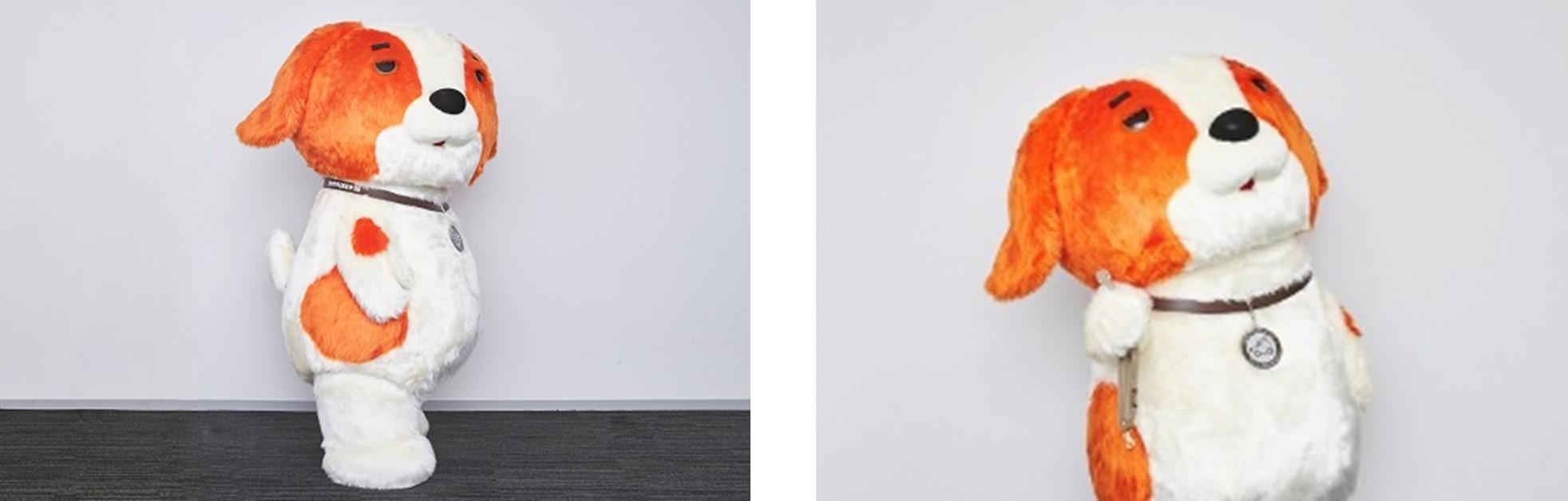 (左) ふりむくワンサー。何だか怪しげ…<br /> (右) ねだるワンサー。あ、散歩…ワンサーもリードいるっけ?