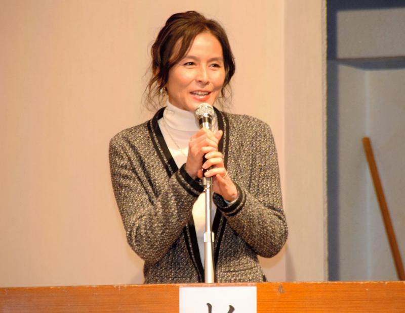 講演する杉本彩さん=神戸市中央区
